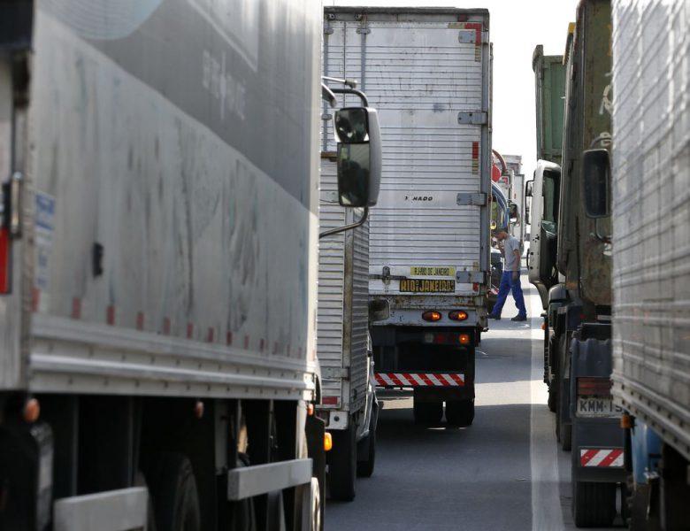 Piso do frete mínimo sofre aumento após alta do diesel
